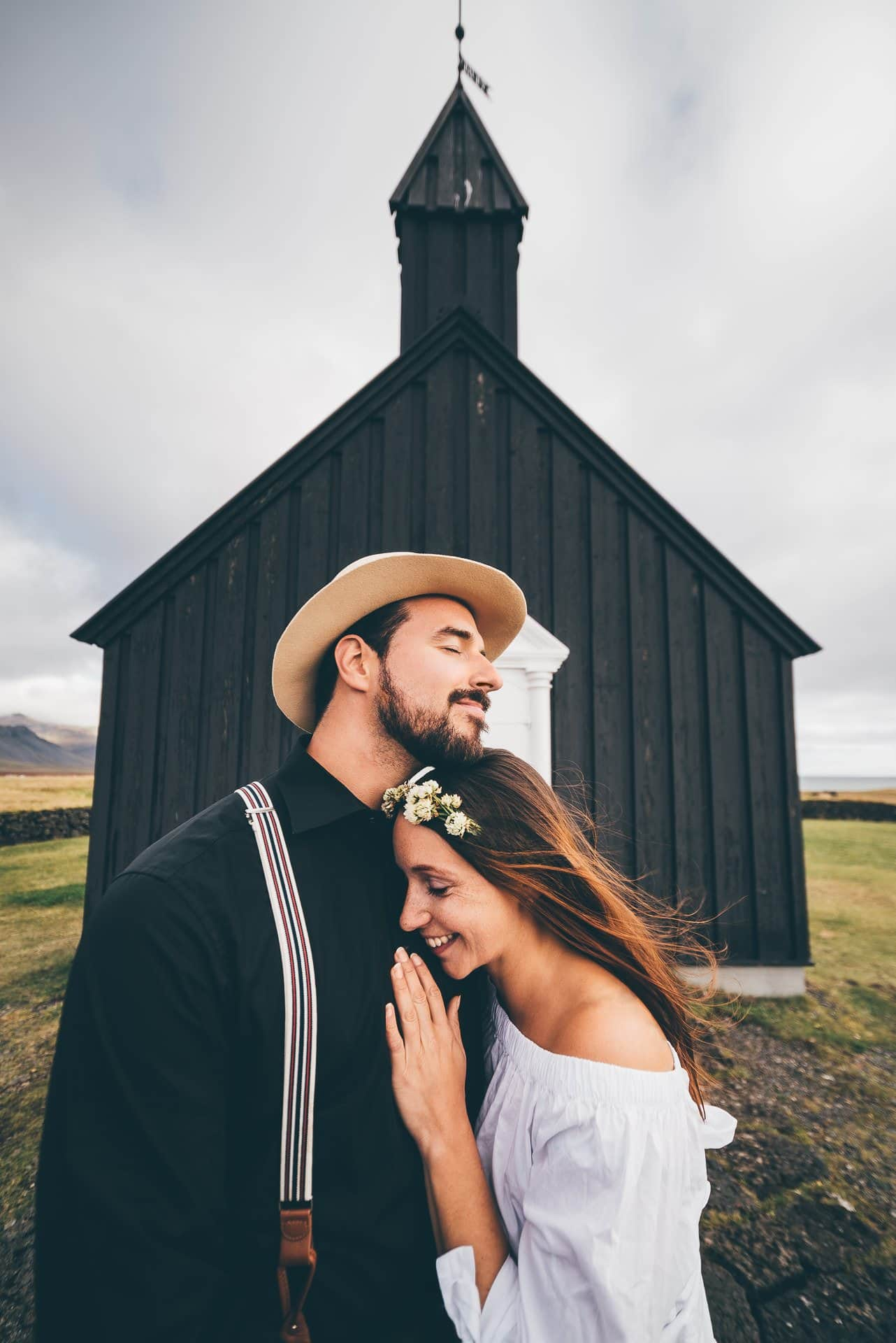 Destination-Wedding-Photographer-Iceland-Budir-BlackChurch-MathiasBrabetz-2
