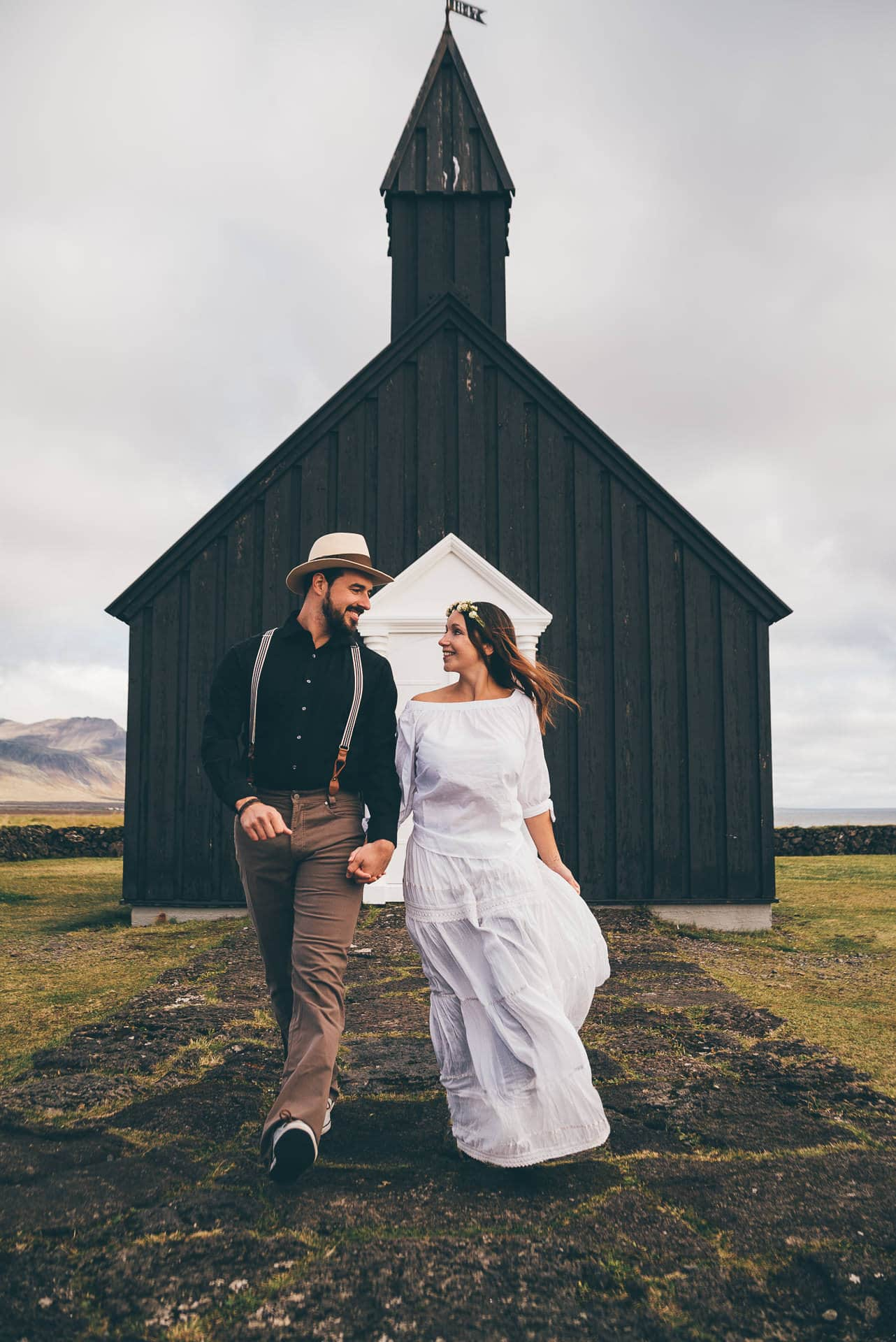 Destination-Wedding-Photographer-Iceland-Budir-BlackChurch-MathiasBrabetz-6