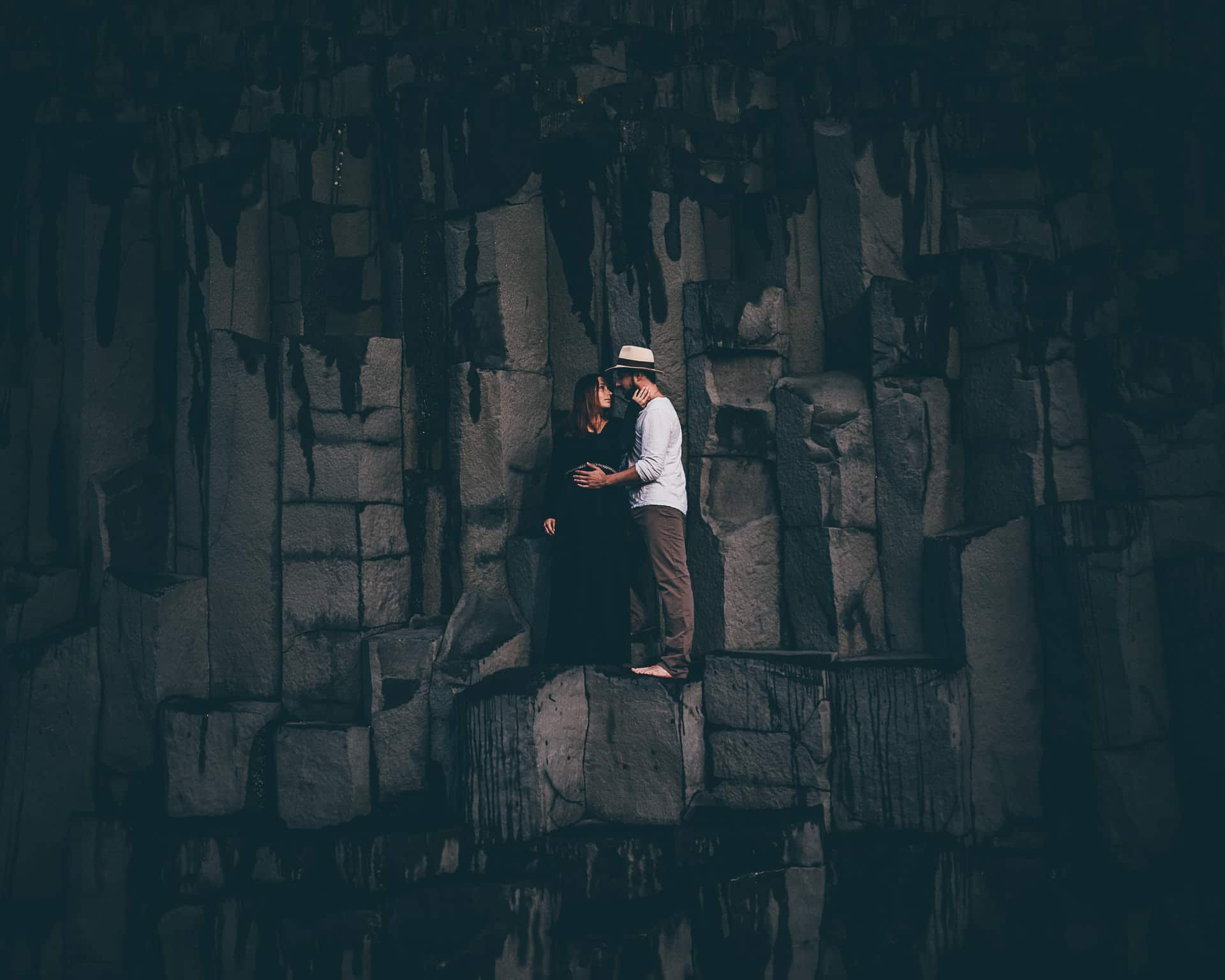 Destination-Wedding-Photographer-Iceland-Reynisfjara-Blackbeach-MathiasBrabetz-19